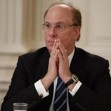 Larry Fink calls on CEOs to realize their companies' social responsibility | Business| Economy an...