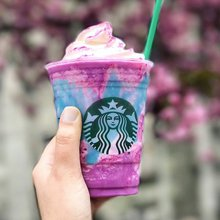 We tried the Starbucks Unicorn Frappuccino so you don't have to
