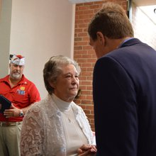 Sen. Warner talks VA, Russia with state's veterans