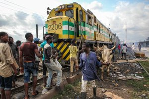 With Trains of Cattle, Nigeria Eyes Railroad Revival