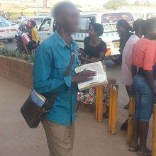 Les pasteurs ougandais prêchent désormais jusque dans la rue