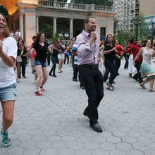 Using Flash Mobs for Wedding Proposals