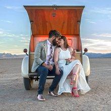 Flora Pop brings pop-up weddings to Las Vegas desert - PHOTOS