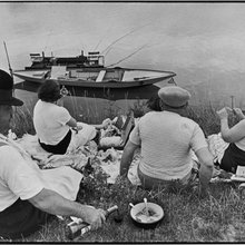 Henri Cartier-Bresson: The Decisive Moment / Elliott Erwitt: Pittsburgh 1950