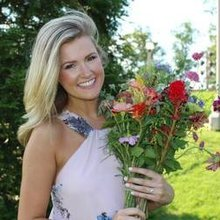 After Miss Alabama 2016 turned in her crown, what piece of jewelry did she get next?