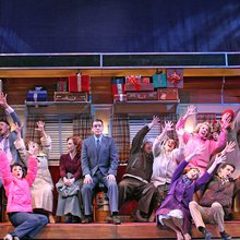 Review: 'Irving Berlin's White Christmas'