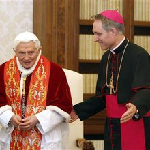 First tweeting pope remains silent over resignation