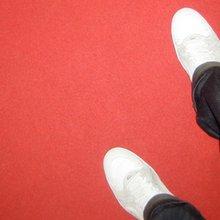 Männer, die auf Schuhe starren - Kultur - jetzt.de