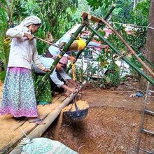 Where women dominate the digging of wells
