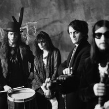 THE PERFECT STORM: S/T Corners The Dead Weather For One of Their First Full Band Interviews :: se...