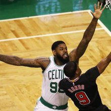 Report: Sixers sign Amir Johnson to one-year deal