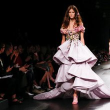 Dressmaker Marchesa evokes Japanese gardens for spring, summer