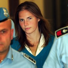 The Shocking Amanda Knox Murder Case That Won't Go Away