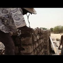 Timbuktu rebuilds tombs destroyed by Islamists