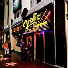 What Would A 4 A.M. Last Call Look Like In Los Angeles?