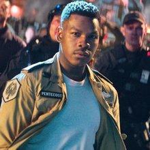 'Pacific Rim: Uprising' Director Hopes Sequel Sparks 'Bigger' Franchise