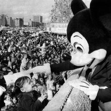 How theme parks like Disney World left the middle class behind