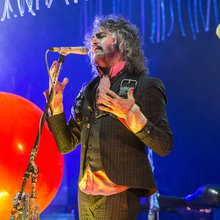 The Flaming Lips' Wayne Coyne Talks Miley Cyrus' Break From Weed & Their Ongoing Friendship