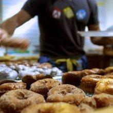 N.J. doughnut shop offers fried treats à la mode