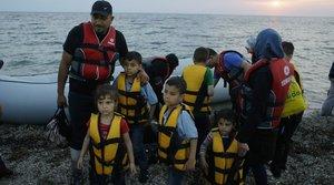 Video: Migrants Flood Greek Island of Lesbos