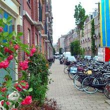 Authentic Amsterdam in the De Pijp neighborhood