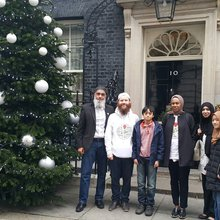UK Muslims press for peace at 10 Downing Street