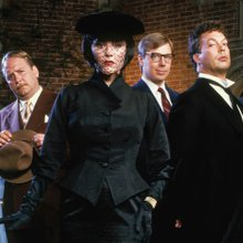 How To Survive The Holidays Based On Which 'Clue' Character You Become When Drunk