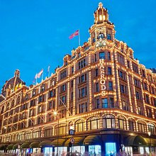 Harrods staff fear pay cut under plans to overhaul sales commissions