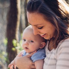 This mom-to-mom mentorship network is transforming new parents' lives.