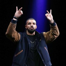 """Drake Says He Wants Part Ownership Of Apple Music On Lil Wayne's """"Family Feud"""" Remix"""