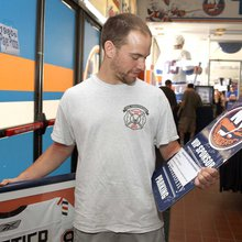 Islanders fans get walk down memory lane at Nassau Coliseum collectible sale