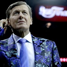 Remembering sportscaster Craig Sager and his most garish outfits