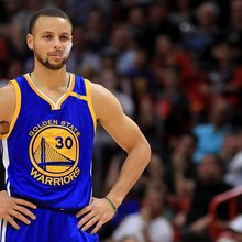 Stephen Curry has pointed reaction to Under Armour CEO's praise for Trump