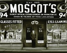 Moscot on the Move But Isn't Going Far