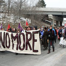 Idle No More protest blocks Highway 403 near Hamilton - Hamilton