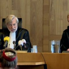 Climate campaigners win court case against Dutch government