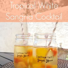 Invite [ yellow tail ] sangria to a sobre mesa
