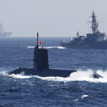 Japan Guns for World's Biggest Defense Deal: Aussie Subs
