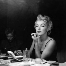 Step-By-Step Tutorial: Marilyn Monroe's Old Hollywood Glamour Makeup