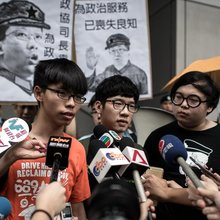 Hong Kong Students Who Protested Government Now Seek to Take Part in It