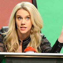 """SNL"" Needs to Take Kate McKinnon Off the Bench"