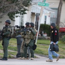 5-hour Waco standoff ends peacefully
