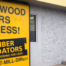 New York Senator Chuck Schumer calls for an investigation into Lumber Liquidators' flooring
