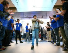 Secrets From Apple's Genius Bar: Full Loyalty, No Negativity