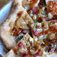 Eat this: Fig jam and bacon pizza
