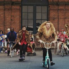 Macklemore Runs Instagram Contest to Launch New Single [VIDEO PREMIERE]