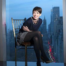 Anne Hathaway, star of 'Les Miserables,' seeks to join the elite