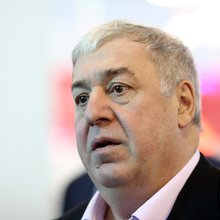 Meet the Russian Billionaire Who's Buying Up His Country's Banks