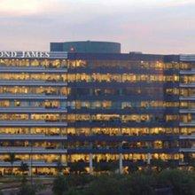Raymond James Seeks Fee Clawbacks on Mutual Fund Sales