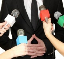 How To Pitch To The Press: The 8 No-Fail Strategies